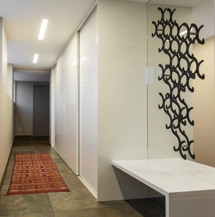 Ypač pamėgtas minimalistinis berėmių durų dizainas. Šios durys – tai patikimas sprendimas, kokybė ir estetika.
